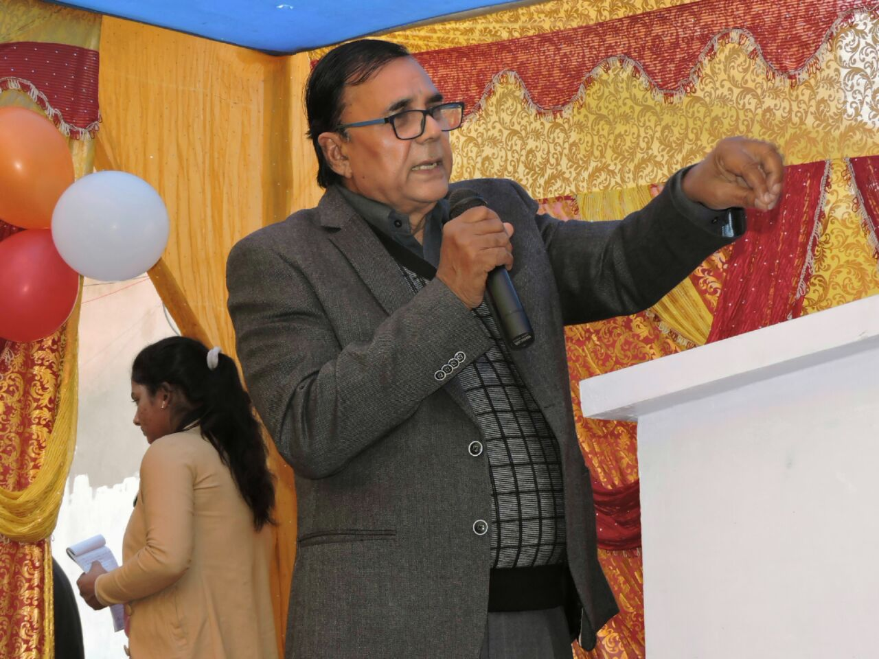 Chief Guest Dr.Bhupendra Narayan Yadav Madhepuri delivering valuable messages to the students & their guardians in the campus of USA International School , Madhepura .