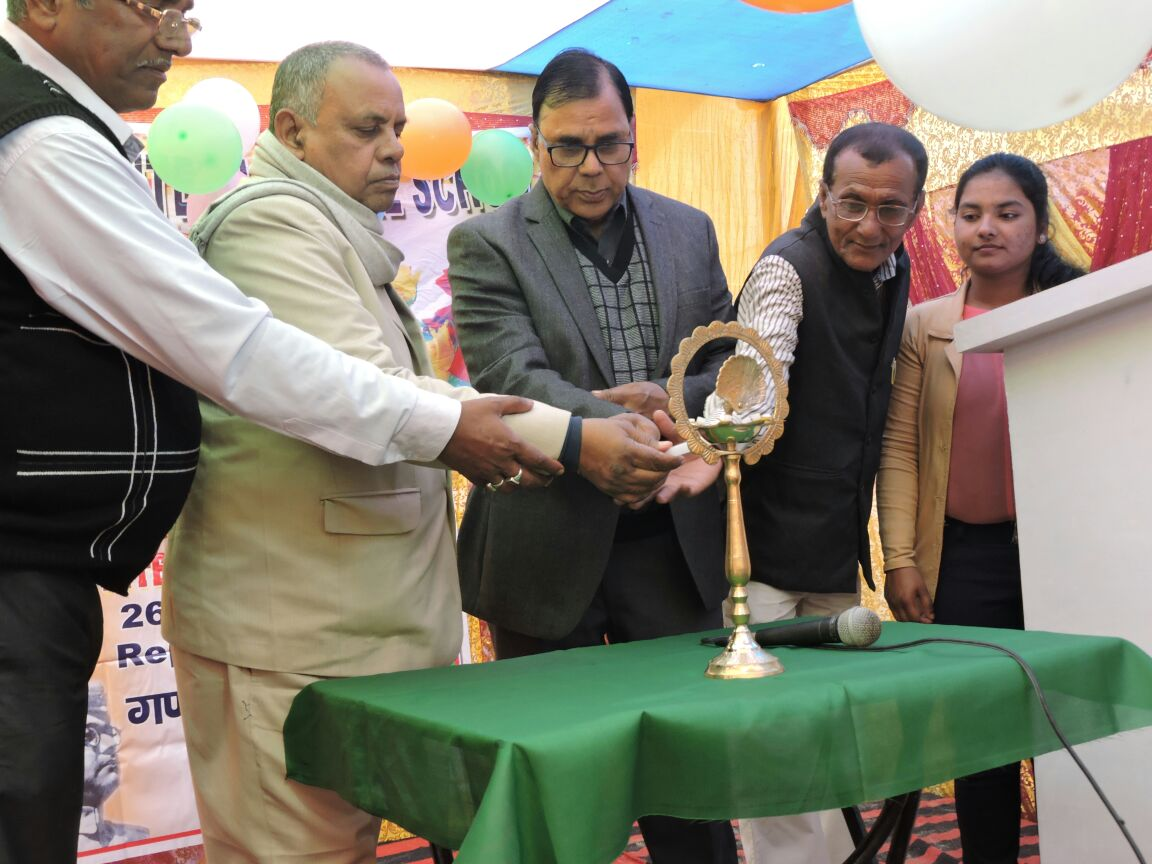 Educationist Dr.Bhupendra Madhepuri , Honourable Pro-VC Dr.J.P.N.Jha (B.N.M.U.) and Founder of the School Mr.Alok Kumar Jha etc. inaugurating the cultural programme of USA Internationl School , Madhepura .