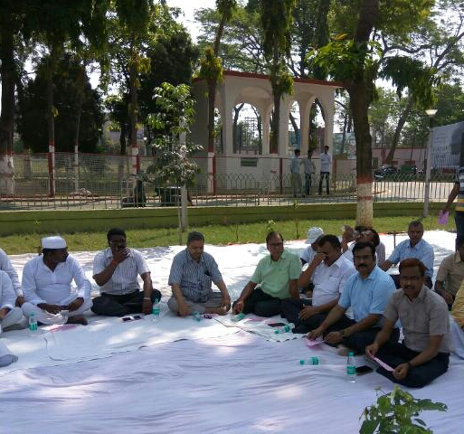 Educationist Dr.Bhupendra Narayan Yadav Madhepuri with DM Md.Sohail, SP Vikas Kumar, SDM Sanjay Kumar Nirala, CS DR.Gadadhar Pandey and others attending Sarvdharm Prarthana Sabha at Samaharnalaya Campus Madhepura.