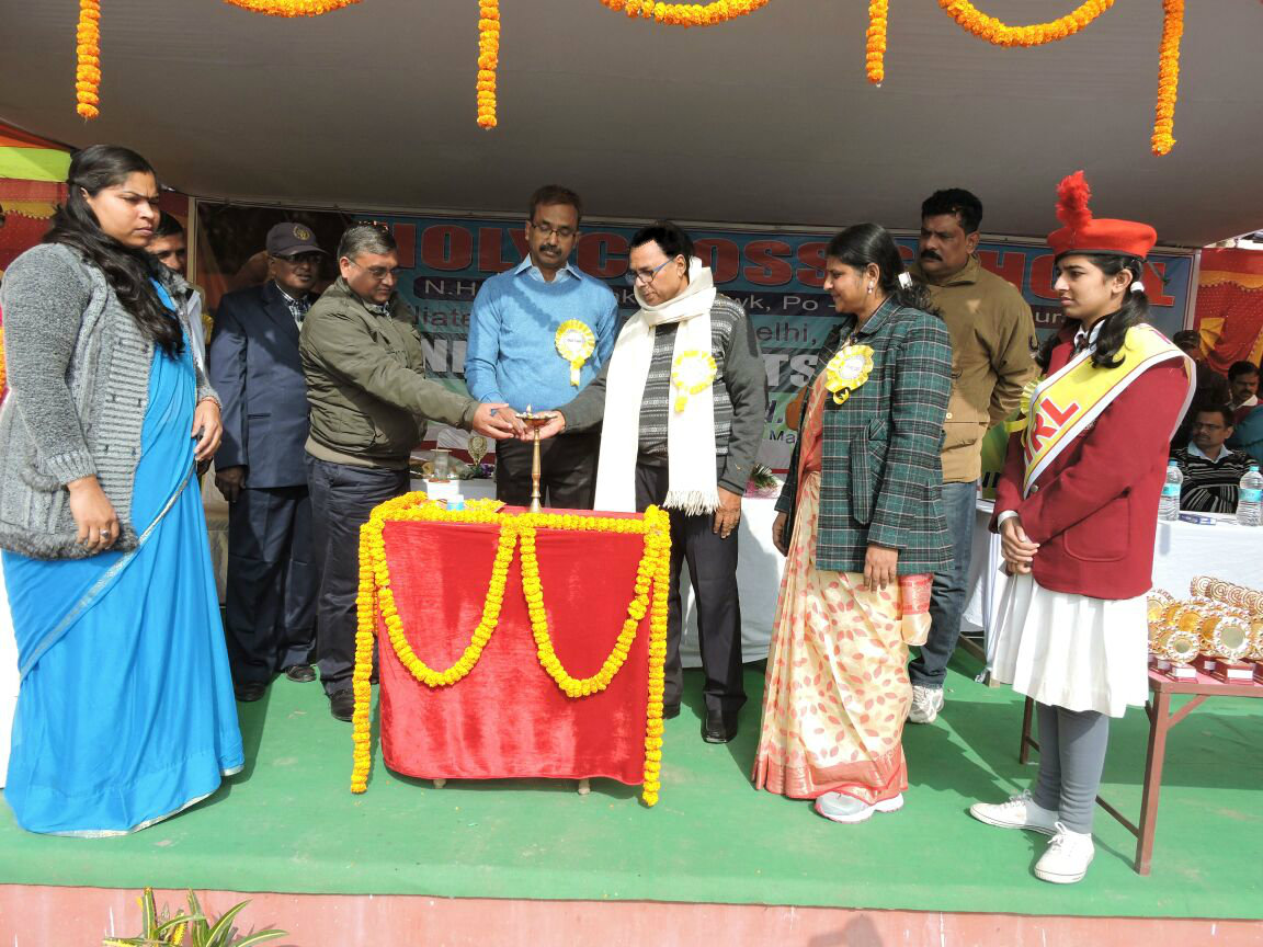 Educationist Dr.Bhupendra Madhepuri inaugurating along with DM Md.Sohail , Civil Judge Shri Neeraj Kumar and others at the Annual Day Function of Holy Cross School , Madhepura .