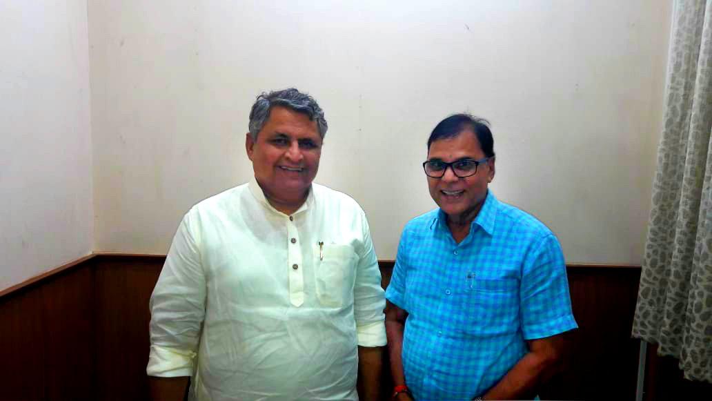 Dr.Madhepuri with Vidhan Sabha Adhyaksh Shri Vijay Kumar Choudhary.