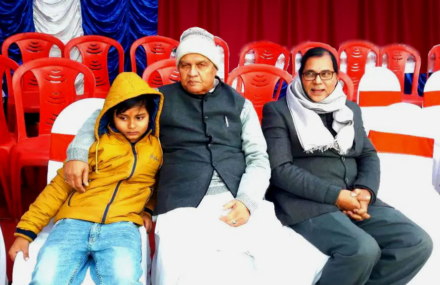 Dr.Madhepuri & his grandson Aditya with Senior Energy Minister Shri Bijendra Prasad Yadav.