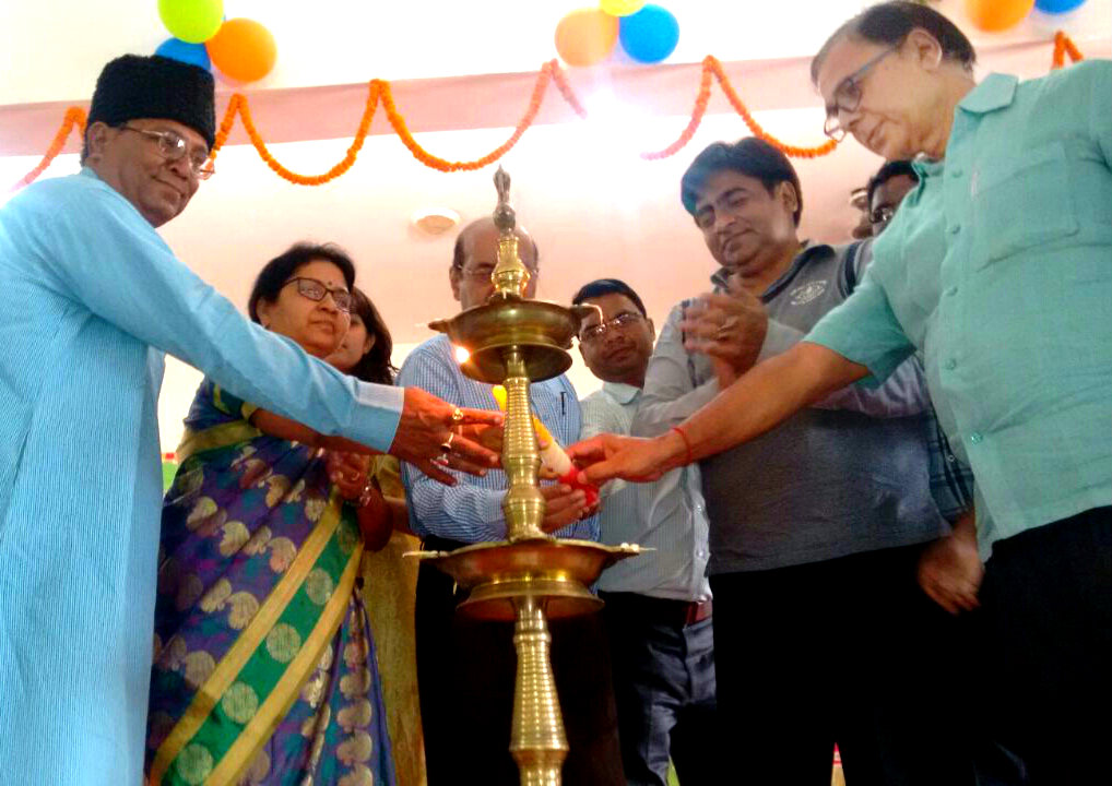 Educationist Dr.Bhupendra Madhepuri with Officers & Gentlemen inaugurating 2 Diwasiya Yuva Uthshav at B.N. Mandal Kala Bhawan Madhepura.