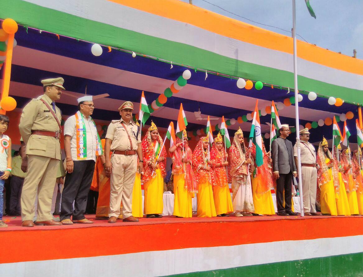 Educationist Dr.Bhupendra Madhepuri attending District Headquarter National Flag Hoisting Ceremony-2017 with D.M. Md.Sohail (IAS) & S.P. Vikas Kumar (IPS) and other officers at B.N.Mandal Stadium , Madhepura .