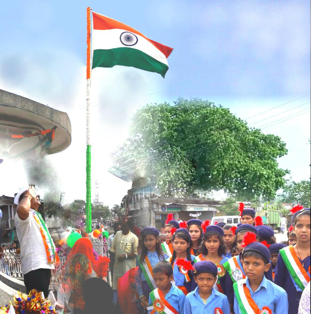 Samajsevi Dr.Bhupendra Madhepuri saluting Indian National Flag after flag hoisting at Bhupendra Chowk , Madhepura .