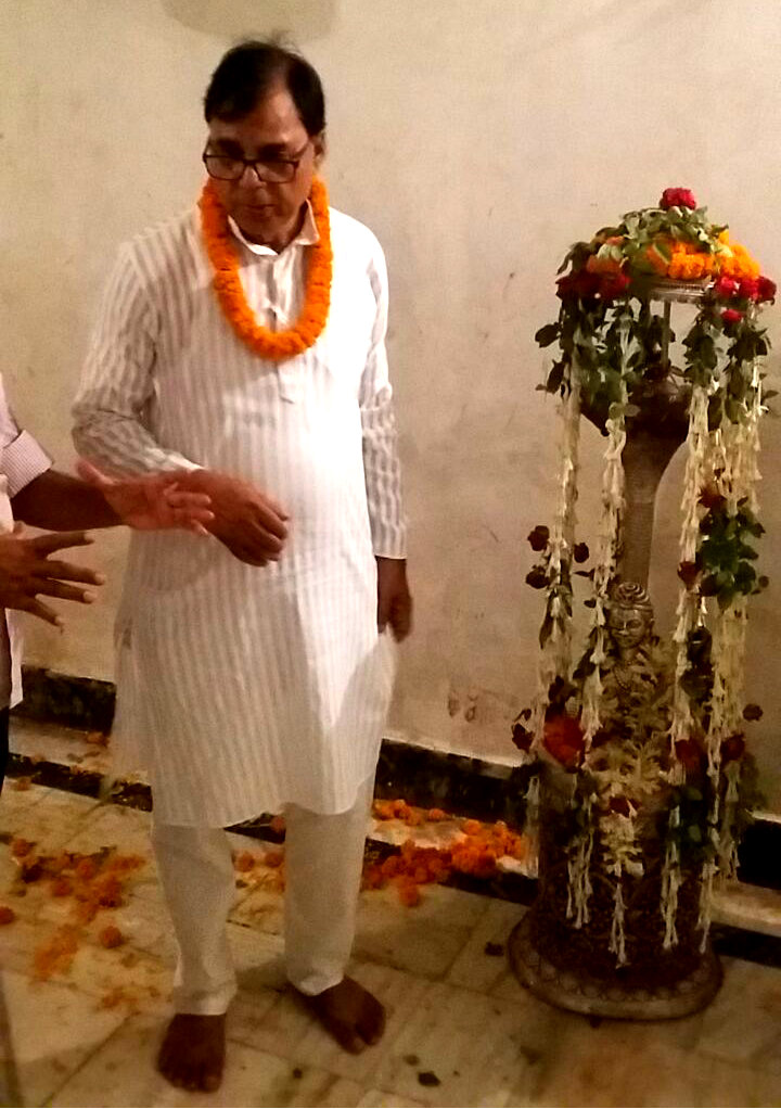 Hon'ble Member of Singheshwar Mandir Nyas Trust Dr.Bhupendra Madhepuri during Shringar Pooja at Singheshwar Mandir.
