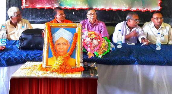 Educationist Dr.Bhupendra Madhepuri attending  Teacher's Day function at Shivnandan Prasad Mandal  High School at Madhepura.