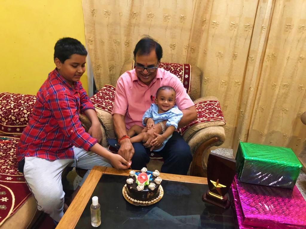 Dr.Madhepuri along with his grandsons Aditya & Akshat celebrating Happy Birthday of daughter Roopam Deep at Vrindavan, Madhepura.