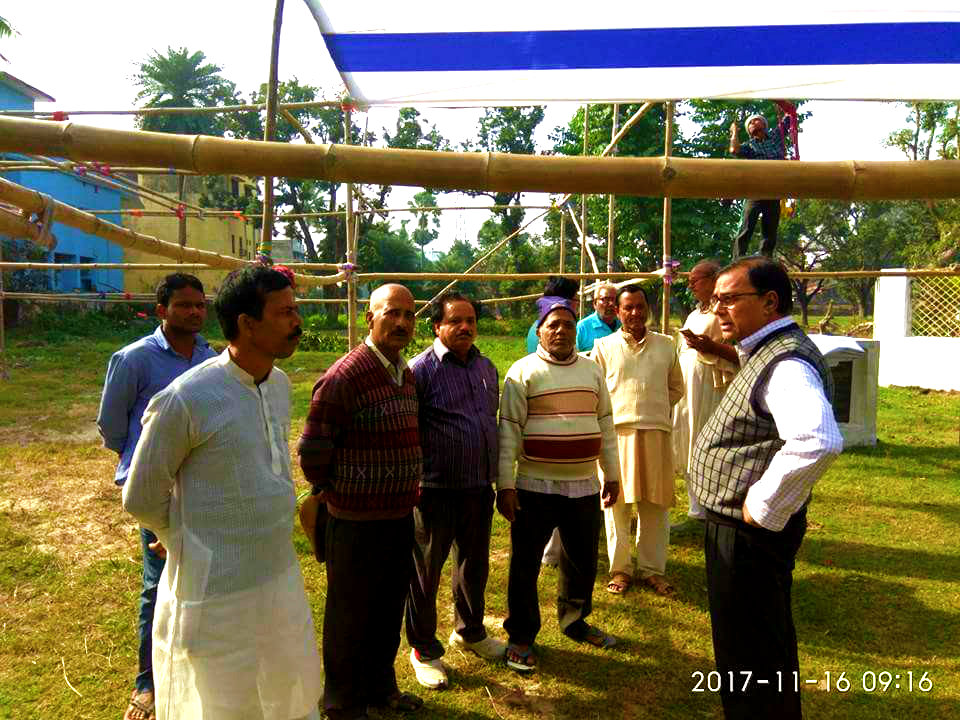Senior JDU Leader Dr.Bhupendra Madhepuri inspecting the venue & directing the Party Workers day before the JDU District Level Meeting at Madhepura.
