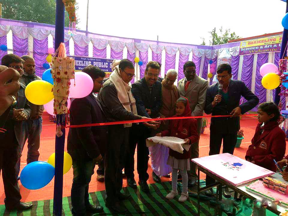 ADJ Shri Navin Kumar Thakur inaugurating Science & Craft Exibition organised by Darjeeling Public School located at Dr.Madhepuri Marg , Madhepura.
