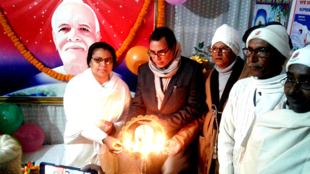 Samajsevi Dr.Bhupendra Madhepuri inaugurating a function at Brahma Kumari Ishwariya Vishwavidyalaya, Madhepura on the 1st day of 2018.