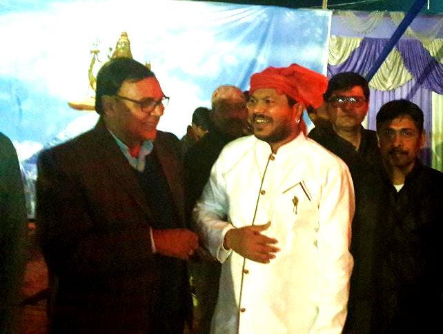Dr.Madhepuri with Sufi Singer Vinod Gwaar at Singheshwar Mahotsav 2018.