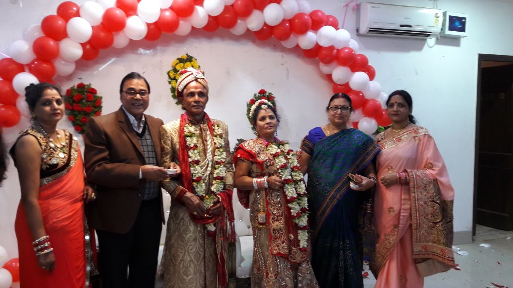 Samajsevi Dr.Bhupendra Madhepuri with Spouse Mrs.Renu Choudhary Madhepuri attending a Golden Jubilee Marriage Anniversary of Senior Advocate Sri Jagdish Prasad Yadav & Retired School Inspector Mrs.Neelam Devi along with their two daughters Ruby , Rosy and other relatives  at Madhepura.