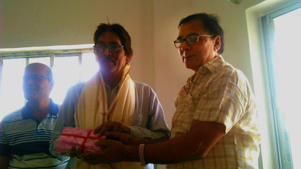 Samajsevi Sahityakar Dr.Bhupendra Narayan Madhepuri paying honour to famous story writer & poet (Jharkhand) Sri Ratan Verma along with Hindi PG Head Dr.Vinay Kumar Choudhary at BN Mandal Univeristy (North Campus) Madhepura.