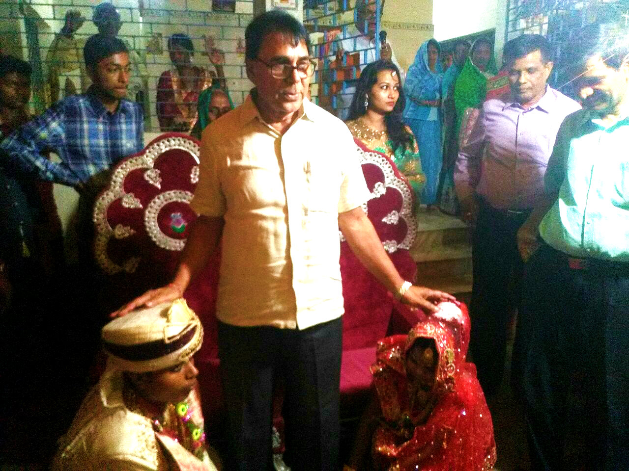 Dr.Madhepuri giving blessings to a newly wedding couple Ayushmati Kiran Kumari Sada and Ayushman Sachin Kumar Sada in the Campus of Rukma Devi Thakurbari Sigeon, Madhepura.