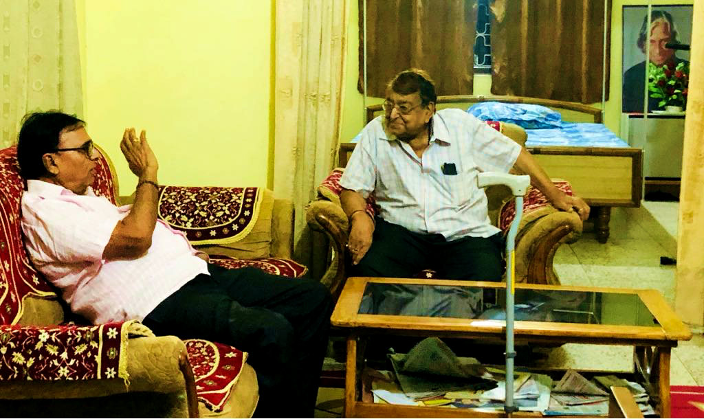 Samajsevi Dr.Bhupendra  Narayan Madhepuri and former PMG(Bihar) Shri Bhagwan Das Tekriwal discussing on different  social and political issue at his residence Vrindavan, Madhepura.