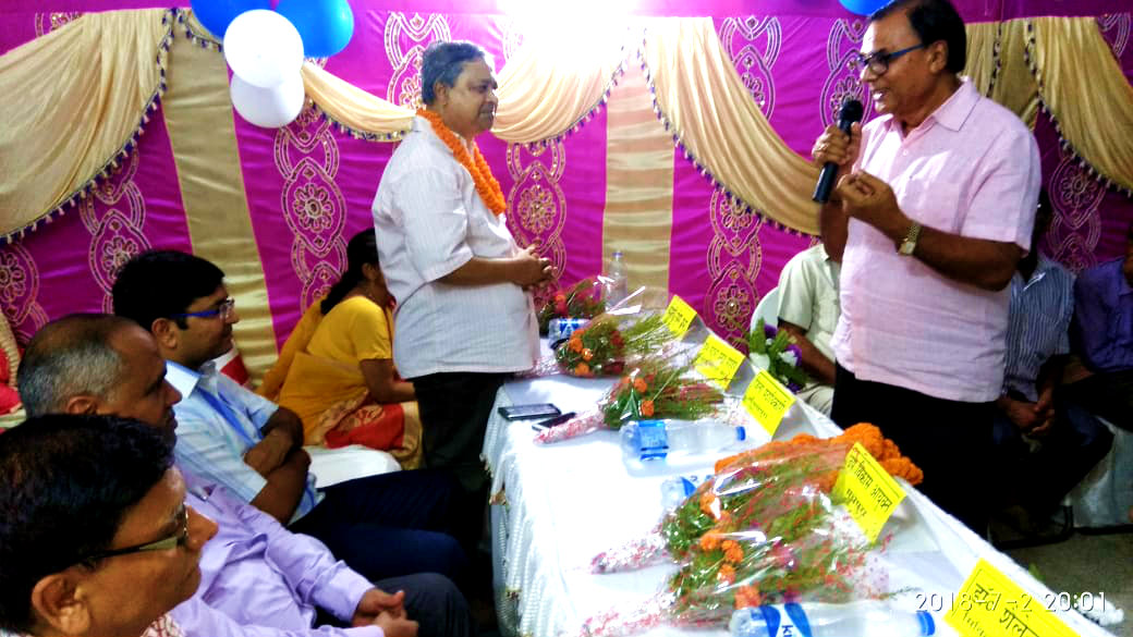 Dr.Madhepuri addressing the Samman Samaroh on the eve of the retirement of CS Dr.G.P.Pandey (with spouse Smt Renu Prabha) DM Shri Navdeep Shukla (IAS) is the Chief Guest & DDC Shri Mukesh Kumar special guest, Present CS Dr.Shailendra Kumar & others at Sadar Hospital Madhepura.