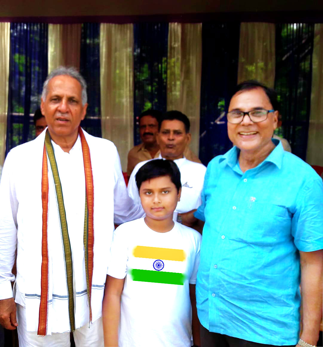 Dr.Bhupendra Narayan Madhepuri along with his grand son Aditya & Vice-Chancellor Dr.Awadh Kishor Ray Celebrating Independence Day at BNMU Campus.