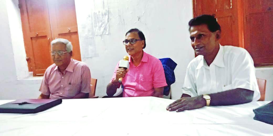 Dr.Madhepuri demanding Bharat Ratna for Social Scientist B.P.Mandal
