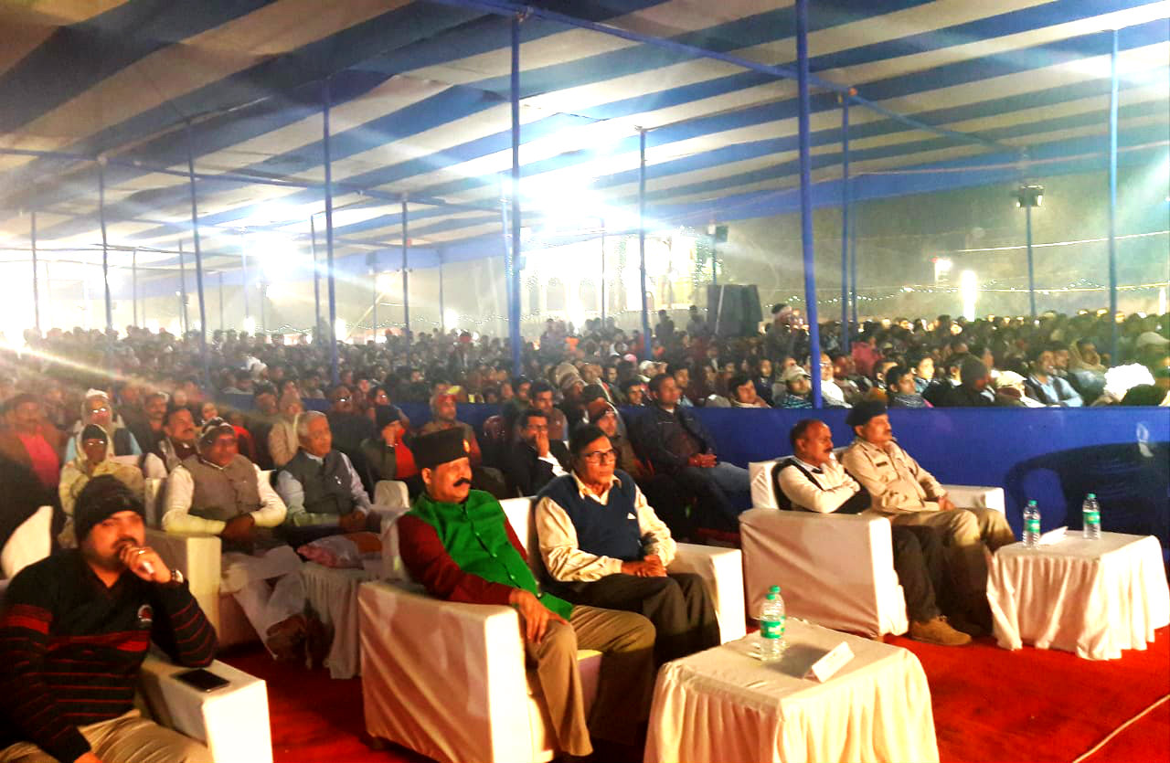 Dr.Madhepuri with Col.Neeraj Kumar , SDM Vrinda Lal , SDPO Md.Wasi Ahmad , NDC Dr.Rajneesh Ray and thousands of viewers enjoying Gopastmi Mahotsav at Madhepura.