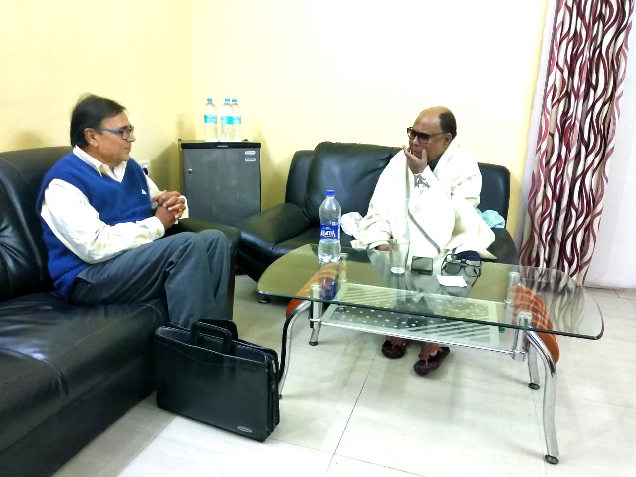 Samajsevi Sahityakar Dr.Bhupendra Madhepuri and Famous Bollywood Singer Md.Aziz discussing cultural issues at Madhepura.
