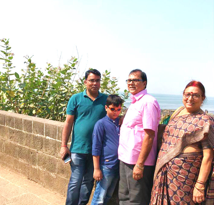 Dr.Madhepuri with wife Mrs.Renu along with Grandson Aditya & Son-in-law Dr.Barun at the Sea-Soar of Mumbai.