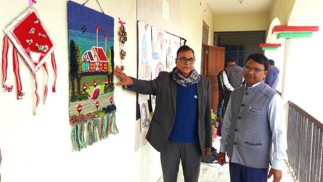 Dr.Madhepuri along with Chitrakar Avinash Kumar observing the Paintings and Hastshilp etc. inside Bhupendra Smriti Kala Bhawan.