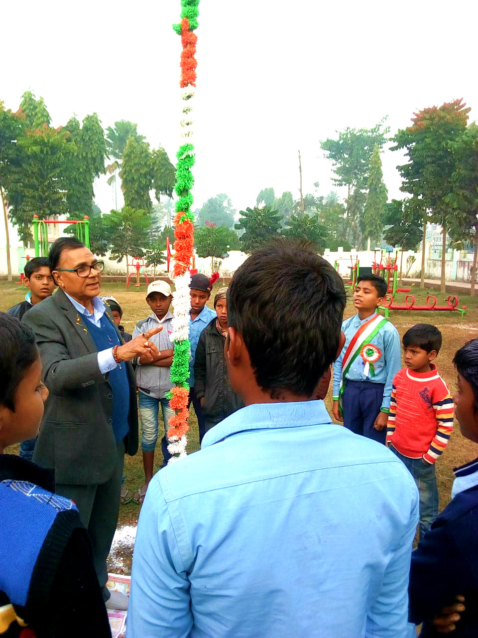 Dr.Madhepuri delivering speech after hoisting National Flag on the event of the 70th Republic Day at Dr.APJ Abdul Kalam Park, Madhepura.