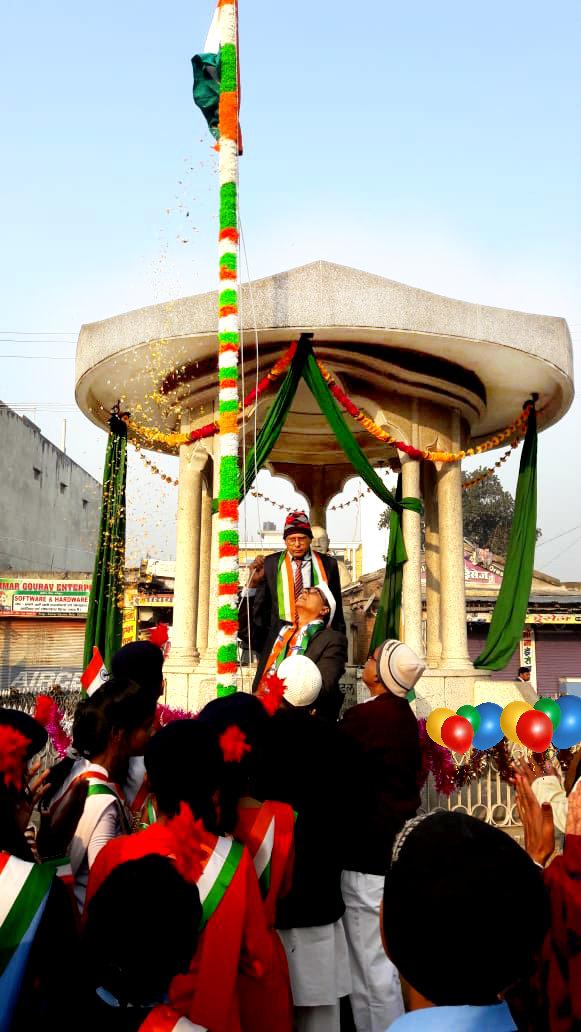 Dr.Madhepuri paying salute to Tiranga after flag hoisting at Bhupendra Samarak, Madhepura in presence if students & others.