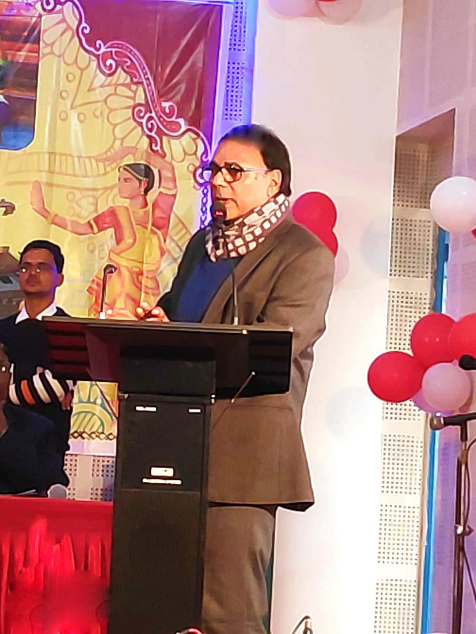Dr.Madhepuri addressing the participants at Kala Bhawan Madhepura.