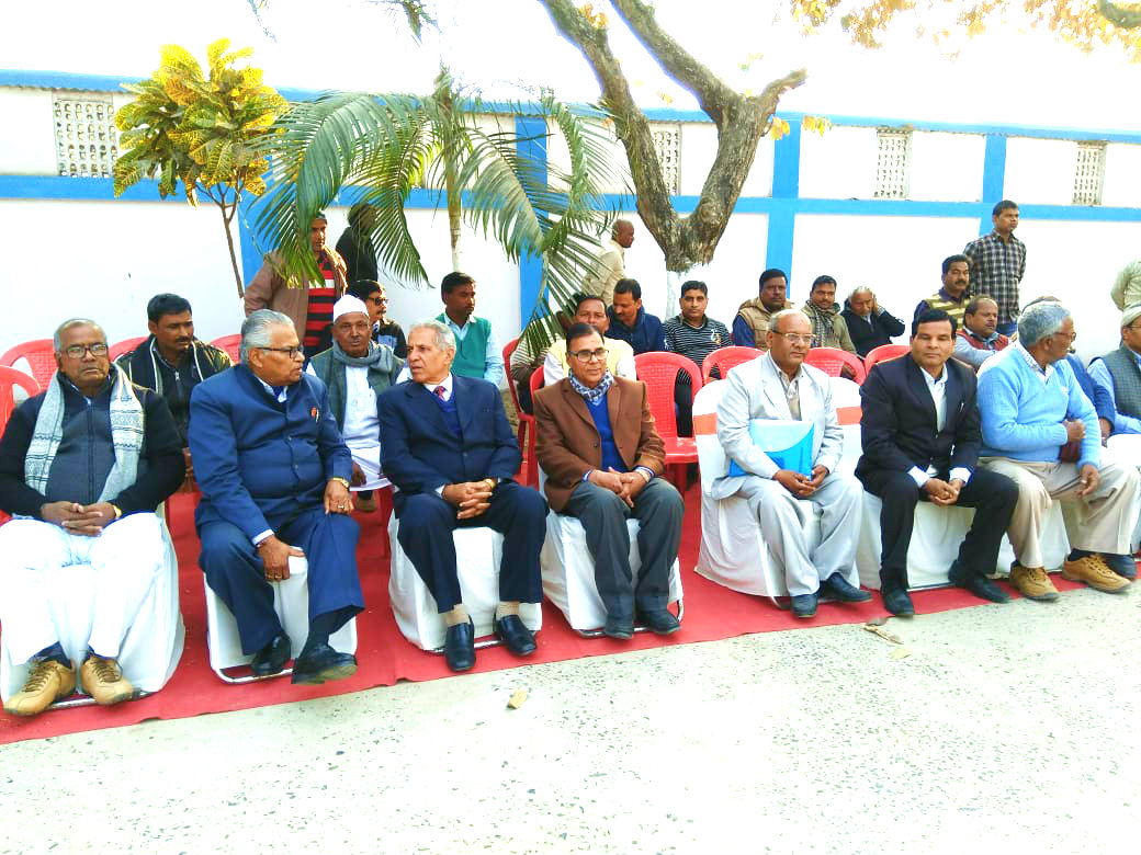 Samajsevi Dr.Madhepuri along with Honourable Vice-Chancellor Dr.A.K.Ray, Dr.Shiv Narayan Yadav & other VIPs attending the Birth Anniversary of Dr.Mahavir Prasad Yadav, the former Prof-VC , V.C. State Education Minister & M.P. etc at BNMU Campus Madhepura.