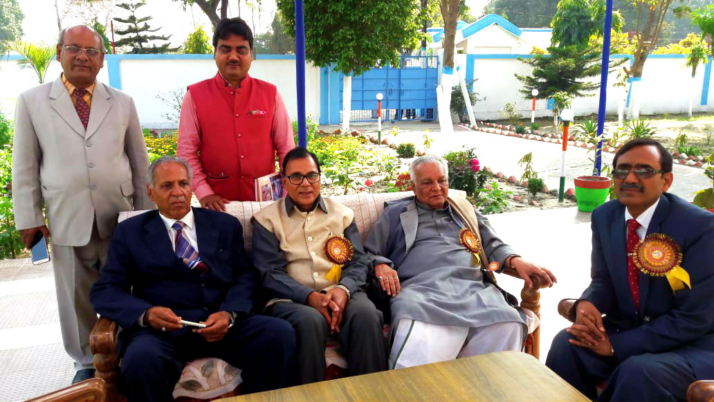 Dr.Madhepuri along with Founder Vice-Chancellor & Former Member of Parliament Dr.Ramendra Kumar Yadav Ravi, Vice-Chancellor Dr.Awadh Kishore Roy,  Pro-VC Dr.Farooque Ali, DSW & Dean Dr.Shivmuni Yadav and PRO Dr.Sudhanshu Shekhar are in the relaxing mood after the end of Inaugural function of silver jubilee celebration at BNMU Madhepura.