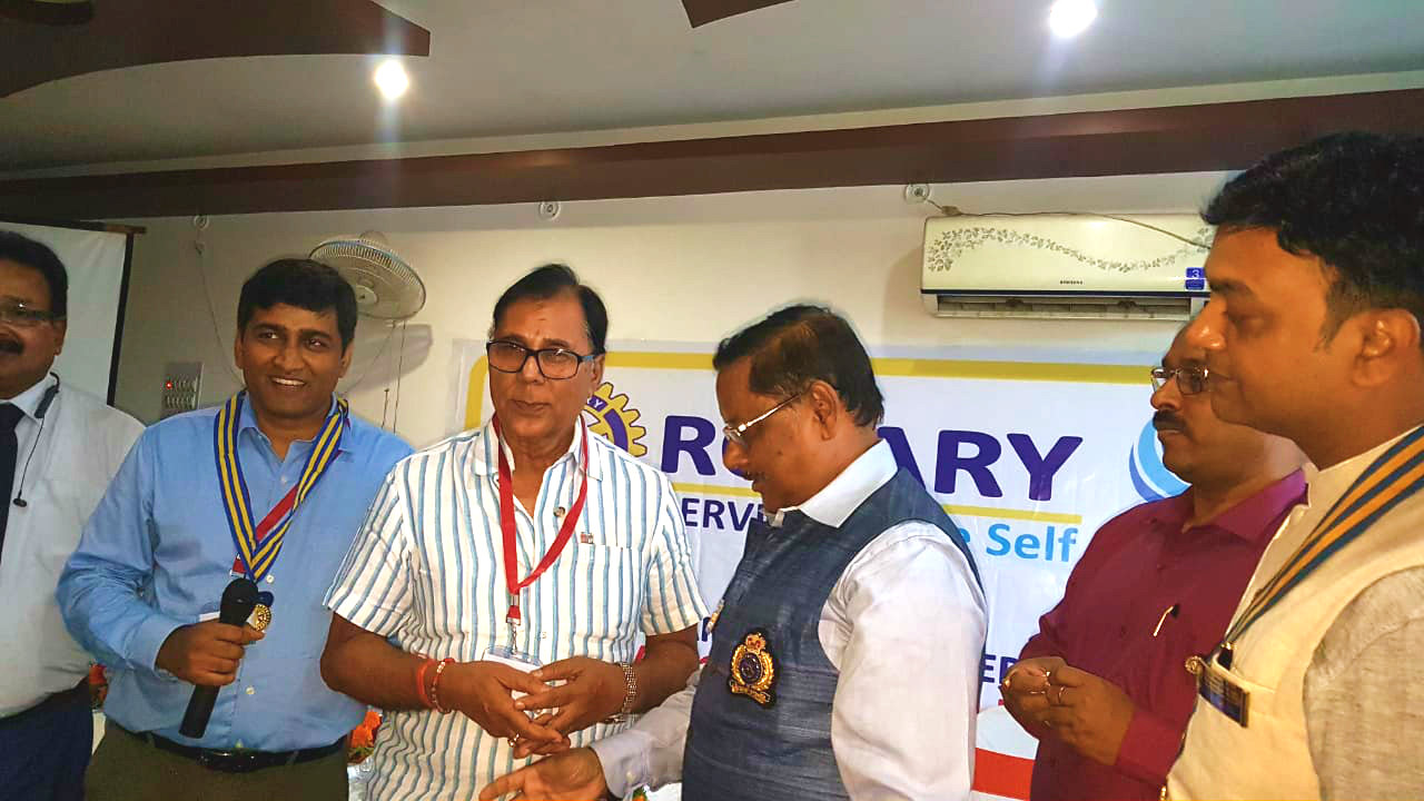 District Governor Prof.(Dr.) Rakesh Prasad , First Persident of Madhepura Rotary Club Dr.Amit Anand & others congratulating Dr.B.N.Yadav Madhepuri for his impressive and inspiring speech.