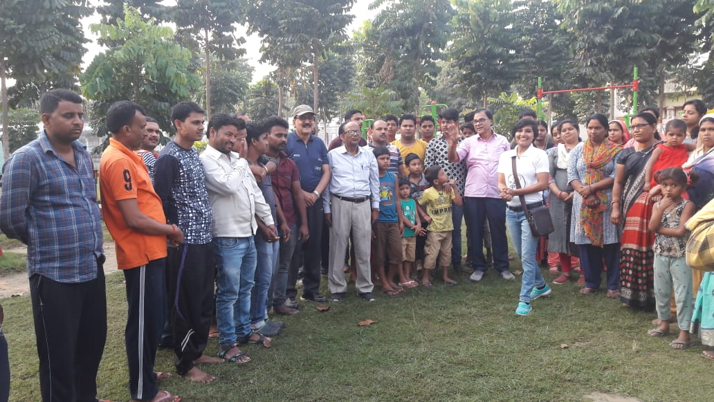 Samajsevi Dr.Bhupendra Madhepuri along with Lok Sabha Election Icon Soni Raj encouraging people to cast their valuable votes and strengthen the democracy at Dr.APJ Abdul Kalam Park Madhepura.