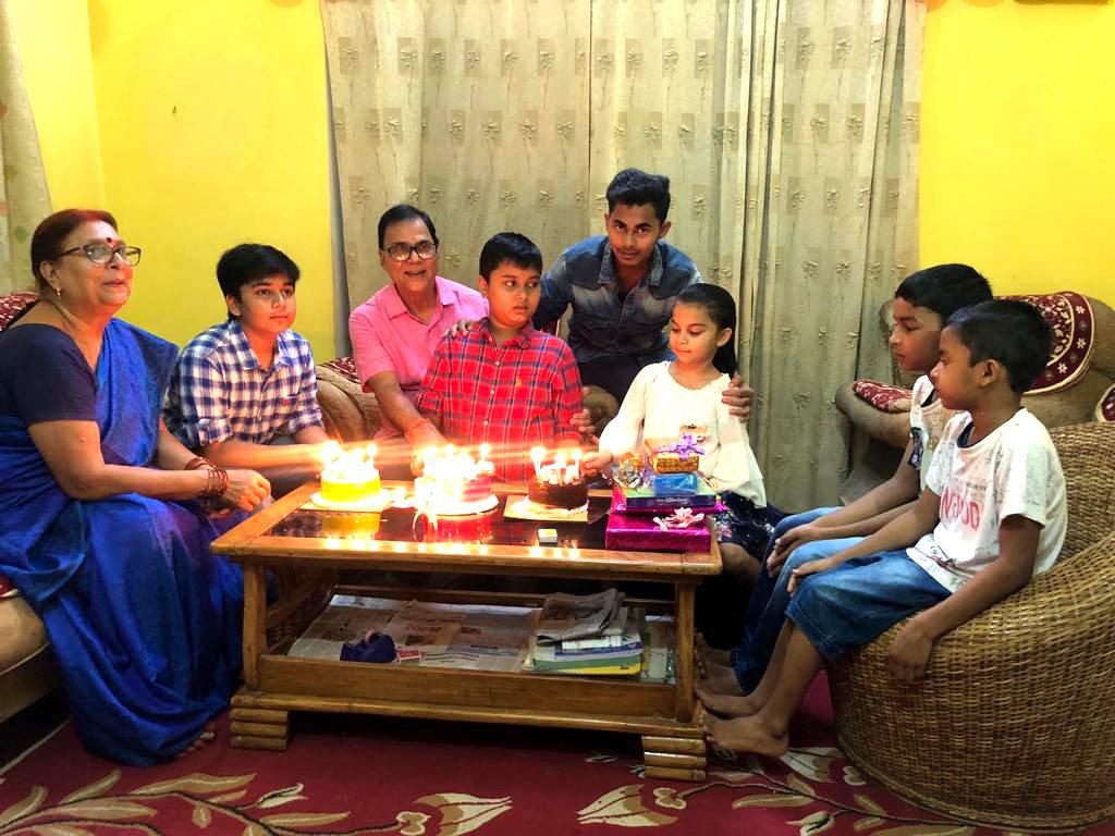 Dr.Madhepuri along with his family member ie, Spouse Mrs.Renu Choudhary, Grandsons & daughter Raja, Babu, Chhotu, Chhoti & their friends celebrating Happy Birth Day at Vrindavan, Madhepura.
