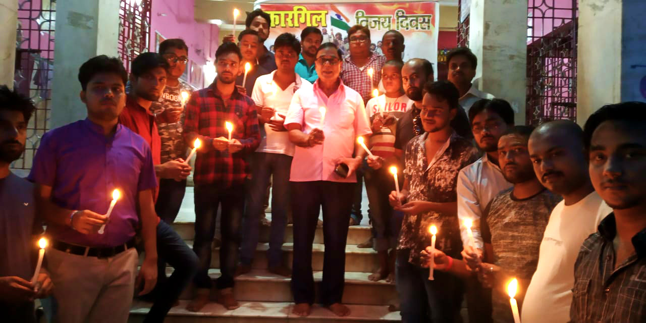 Prof.(Dr.) B.N.Yadav Madhepuri along with the Youths of