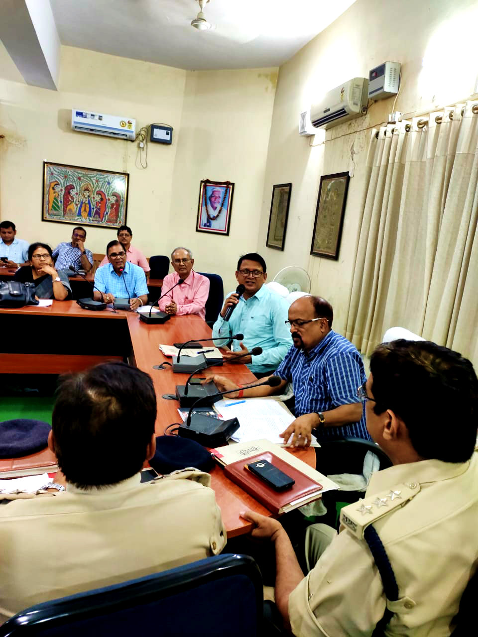 Dr.B.N.Yadav Madhepuri along with ADM, SDM, ASP.....Dr.A.K.Mandal, Dr.Shanti Yadav , CO, EO & other officers discussing about the celebration of the 15th August as well as the celebration of Rajkiya Samaroh of BP Mandal Jayanti.