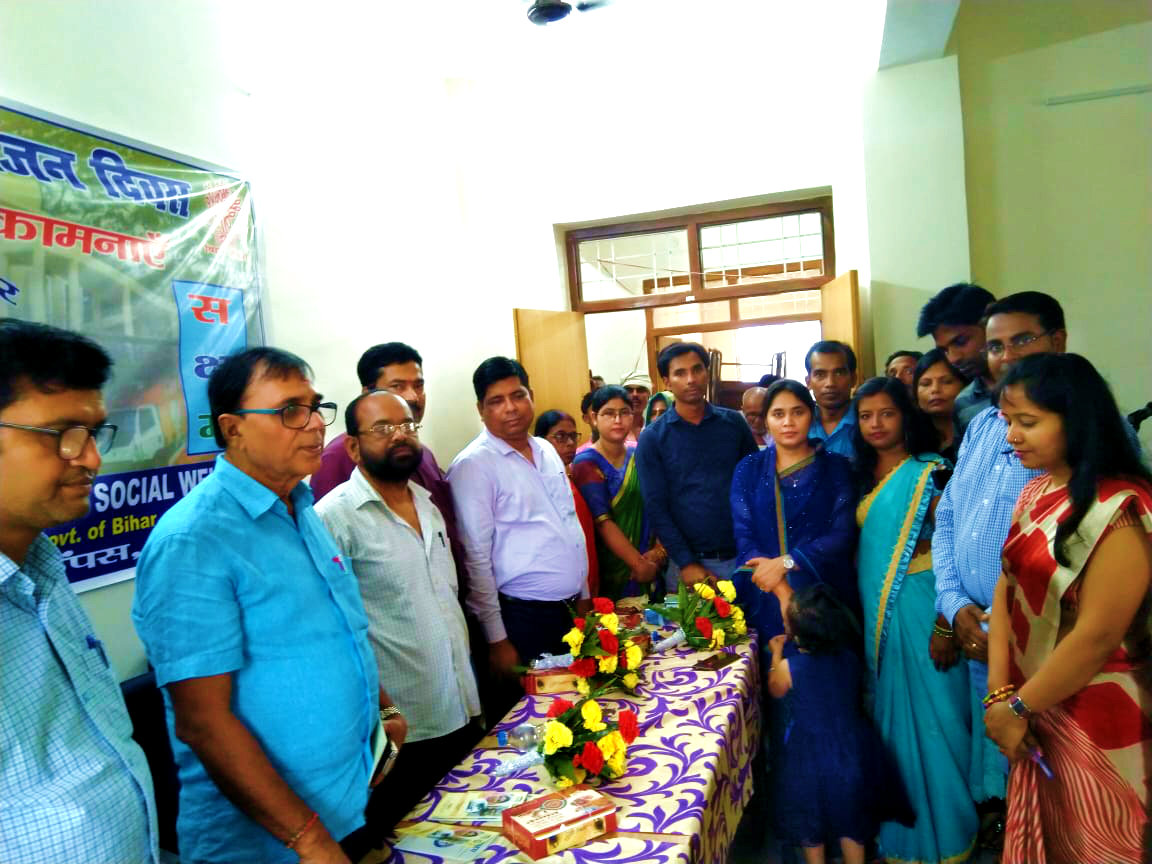 Chief Guest Dr.Bhupendra Madhepuri along with VIP Guests and the team members of Noorie Begum (Branch Manager) at the end of International Day of Older Persons conference at Buniyad Kendra.
