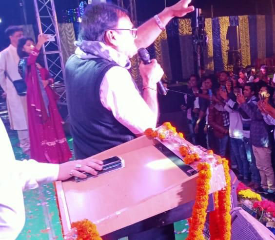 Dr.Madhepuri addressing the audience during Gopashtmi Mahotsav-2019 at Madhepura.