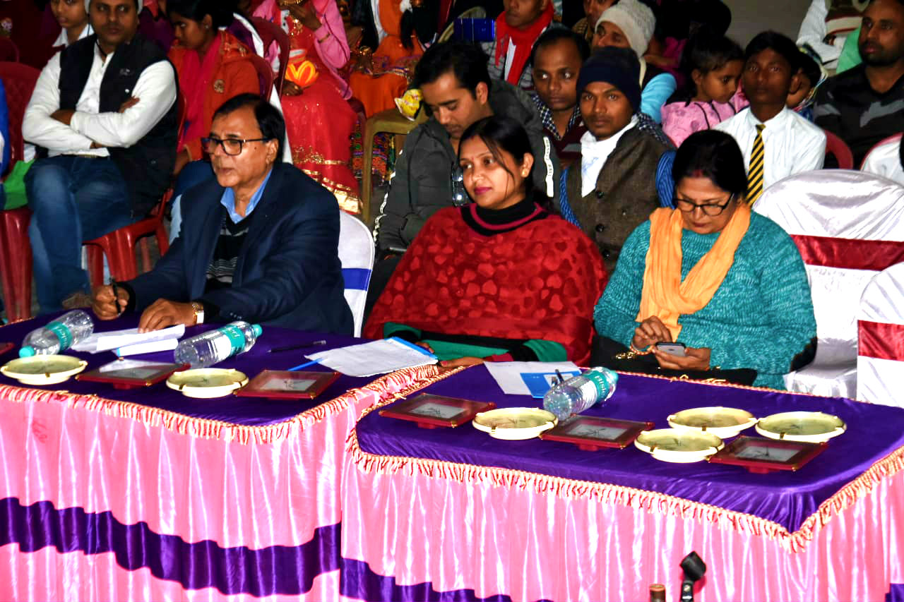 Dr.Madhepuri along with Sashi Prabha, Neetu Singh & others enjoying the Cultural Programme.