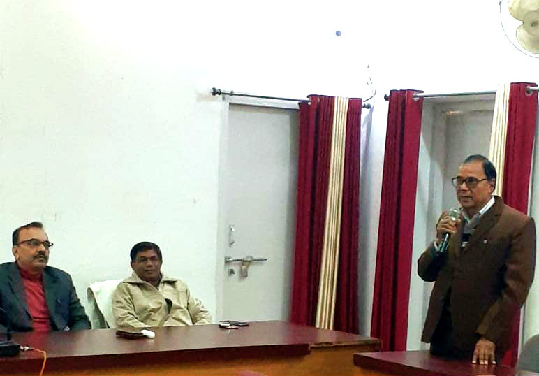 Samajsevi-Sahityakar Dr.Bhupendra Madhepuri giving speech on the occasion of Bharat Ratna Atal Jayanti at Samaharnalya Sabhagar, Madhepura.