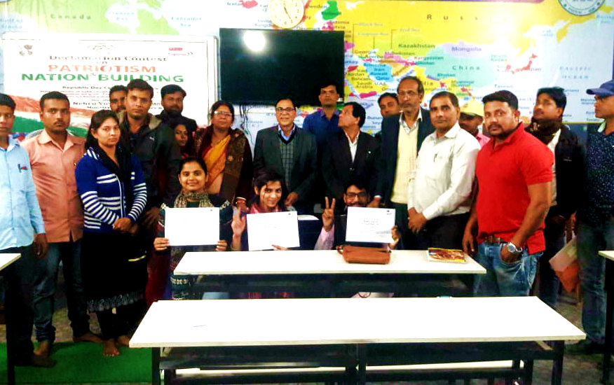 Sahityakar Dr.Madhepuri, Senator Dr.Naresh Kumar, Co-ordinator Ajay Kumar Gupta, Prof.Sanjay Parmar, & others with selected team of Ashish Mishra and other two girl competitors.