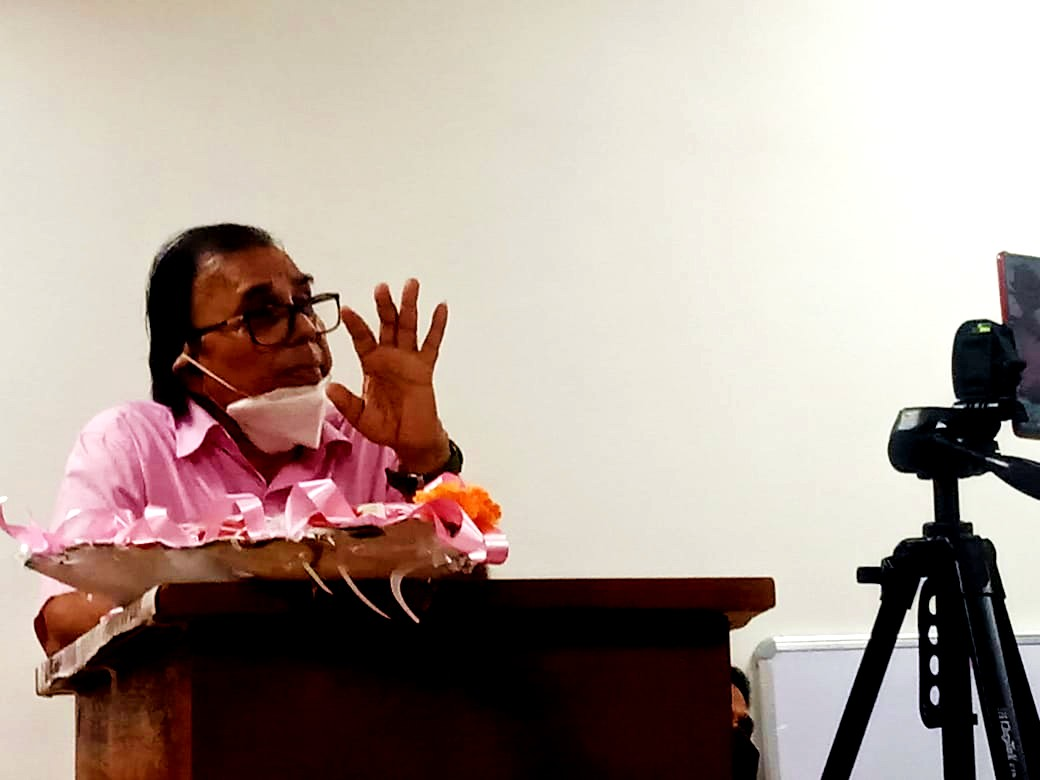 Dr.Madhepuri addressing at BNMU.